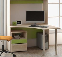 Письменный стол для школьника